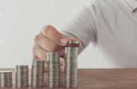在外汇交易中,如何利用SAR指标进行持仓操作?