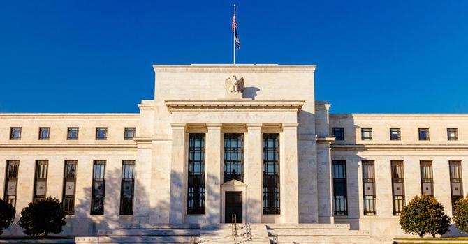 4月19日财经早餐:比特币周末暴跌!两大央行利率决议来袭