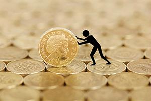 无协议脱欧风险攀升、英镑于数月低位挣扎 接下来何去何从?