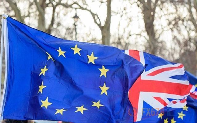 脱欧协定面临两方面挑战!脱欧局势的不确定性将使得投资者困惑,或让英国的投资跌落悬崖